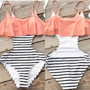 Cupshe Sweet Smile Falbala One-Piece Swimsuit - S